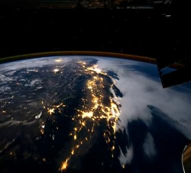 Sobrevolando el Planeta Tierra