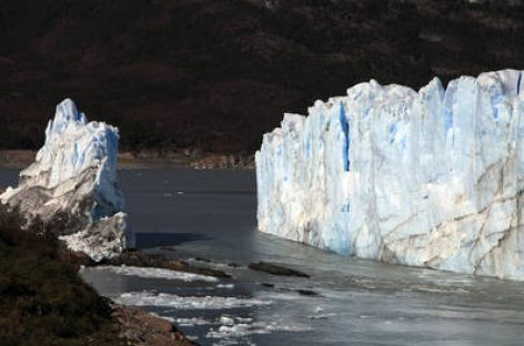 El glaciar Perito Moreno completó su ruptura