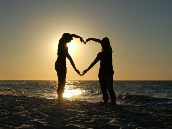 Ejercicios mentales para ser un poco más feliz → pareja corazon ideas felicidad ser feliz pareja feliz