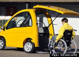 Un vehículo eléctrico diseñado para personas en sillas de ruedas