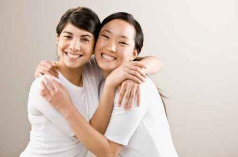 Abrazos, no drogas, una molécula que estimula la confianza