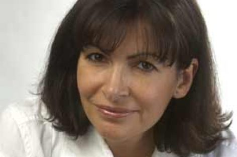 Anne Hidalgo, socialista y de origen español, candidata a la alcaldía de París
