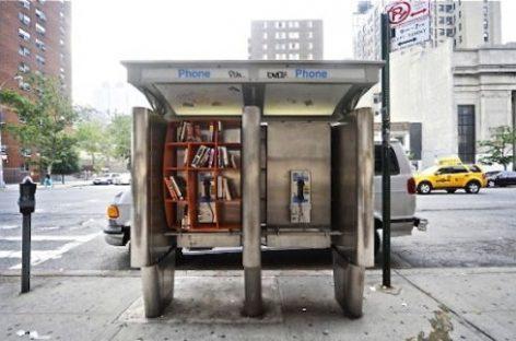 Cabinas telefónicas en bibliotecas urbanas