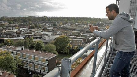 Un uruguayo desarrolla un proyecto de energía renovable en Londres → Agamemnon Jacinto Otero brixton solar energy
