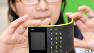 Teléfonos moviles que se doblan como un papel