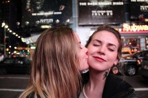 100 besos-mujeres besandose