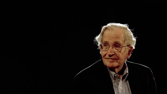 Noam Chomsky en defensa de los derechos del pueblo palestino