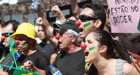 Primera victoria de los indignados en Brasil
