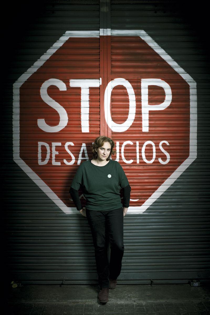 protestones-Ada Colau