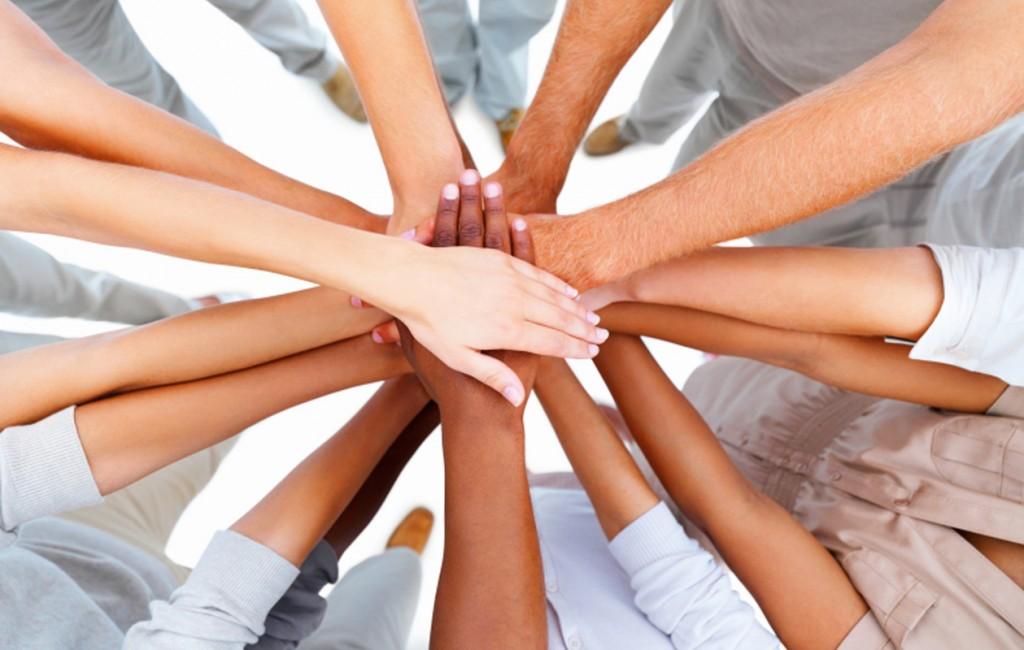 cooperación-especie humana-solidaridad-esfuerzo-juntos