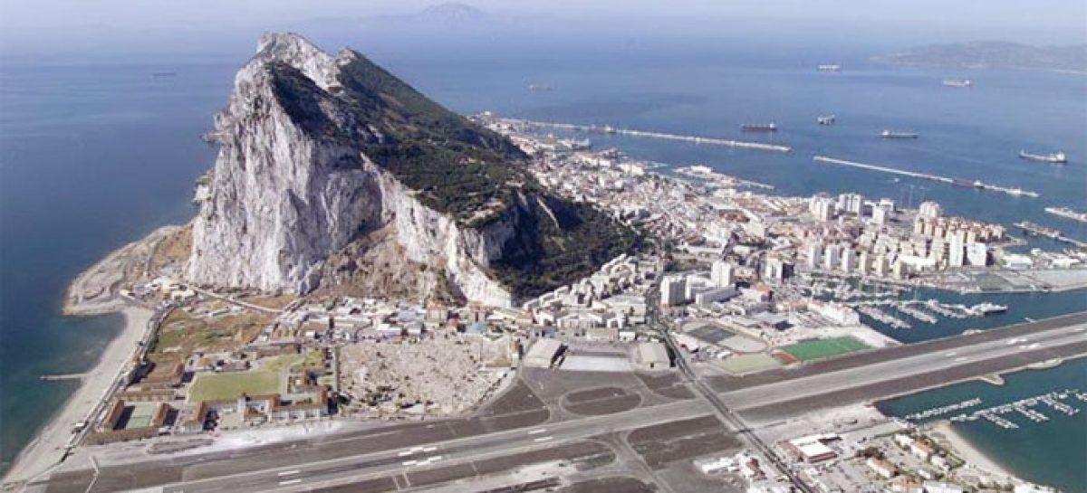 Gibraltar y las Malvinas, reliquias del imperio británico
