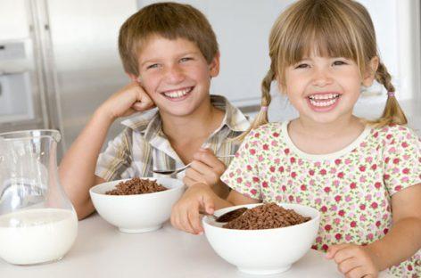 Un desayuno completo mejora el rendimiento académico de los niños