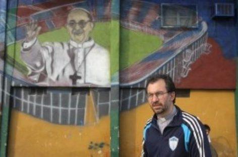 Un cura obrero puede ser Obispo de Buenos Aires