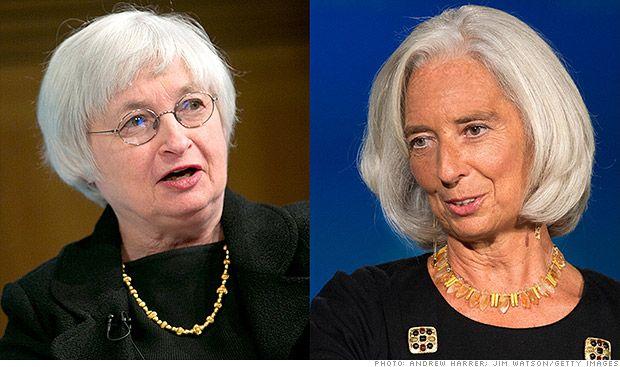 Mujeres manejando el dinero