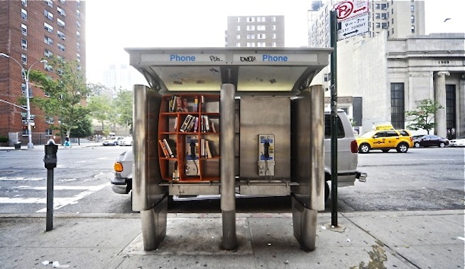 Bibliotecas callejeras, toma un libro y deja otro