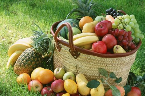Comer fruta mejora la memoria de las personas mayores