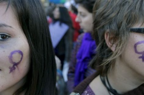 Más de veinte asociaciones firman el Pacto Feminista por las Mujeres