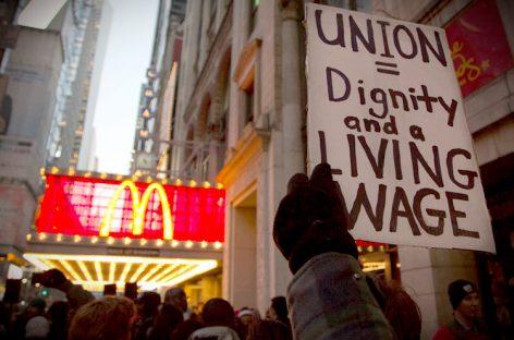 Los trabajadores de comida rápida, en huelga por salarios dignos