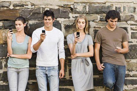 Levanta la mirada: el valor de la comunicación interpersonal