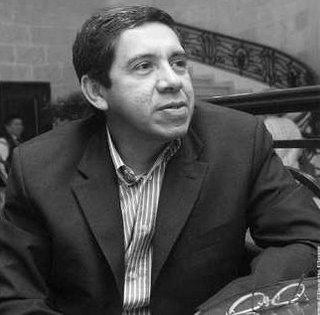 Joaquín Villalobos (San Salvador, 1951) es un político salvadoreño, fundador y máximo dirigente del Ejército Revolucionario del Pueblo (ERP) una de cinco ... - joaquin-villalobos