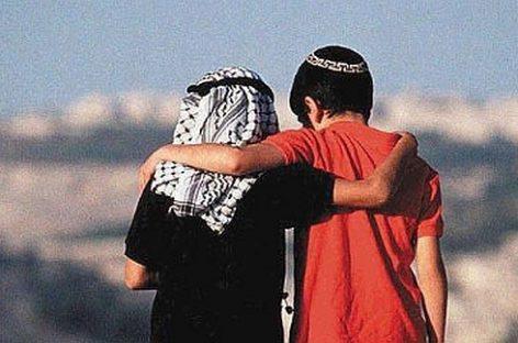 Amigos israelíes y palestinos se telefonean para darse ánimos