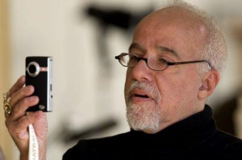 Paulo Coelho, un miembro de prestigio de las redes sociales