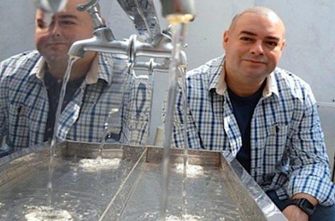 Crean una máquina que obtiene agua potable del aire