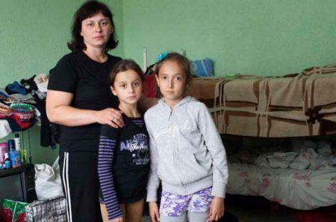 ACNUR con las víctimas de bombardeos en Ucrania