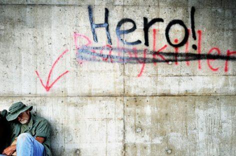 La genial idea de conectar personas sin hogar con sus seres queridos