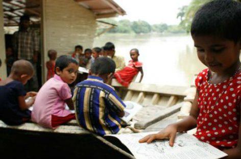 La energía solar alimenta escuelas flotantes en Bangladesh
