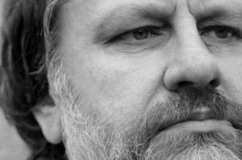 El filósofo Slavoj Zizek incita al movimiento y acción ciudadana