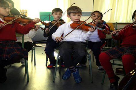 Ayuda en Acción por la integración social con 'música' a niños sin recursos