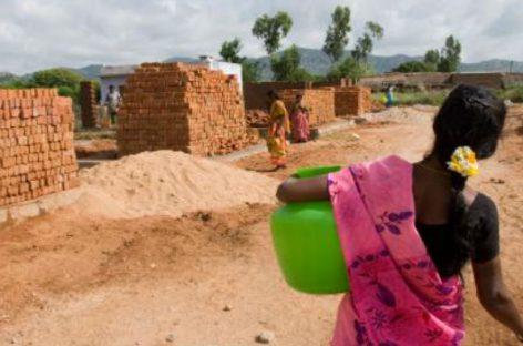 FVF. Invitación al pádel solidario para la construcción de viviendas dignas