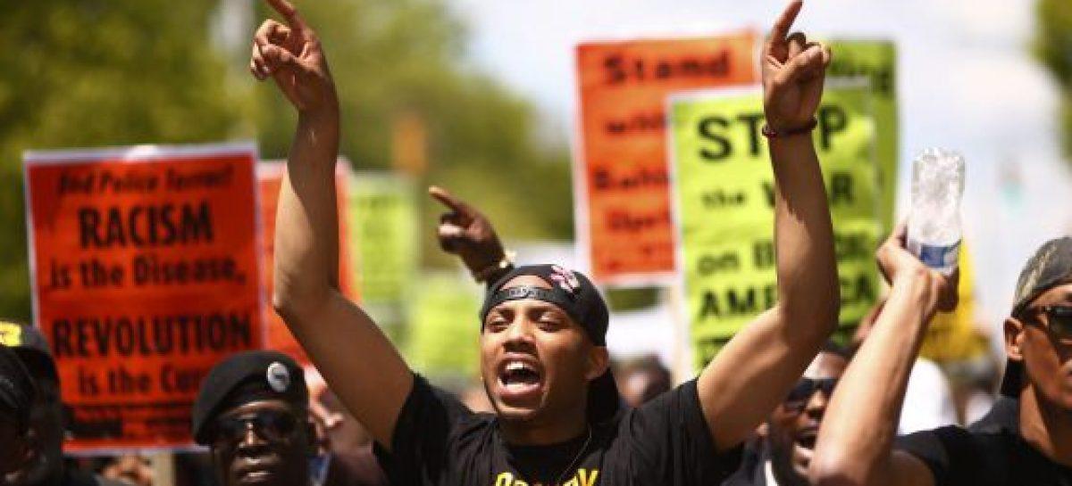Baltimore celebra la imputación de los policías