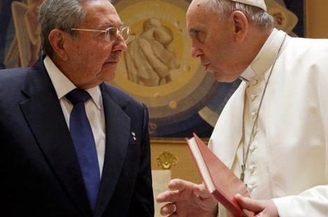 """Castro: """"Si el Papa sigue así volveré a la Iglesia"""""""