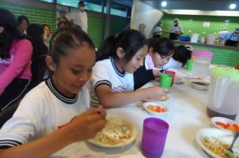 La cruzada de México contra la comida chatarra en las escuelas