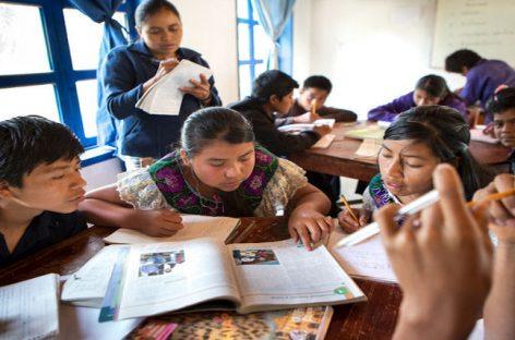 Ayuda en Acción por la preservación de las lenguas autóctonas