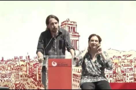 Podemos y BComú piden a la Barcelona desahuciada 'echar a los corruptos'