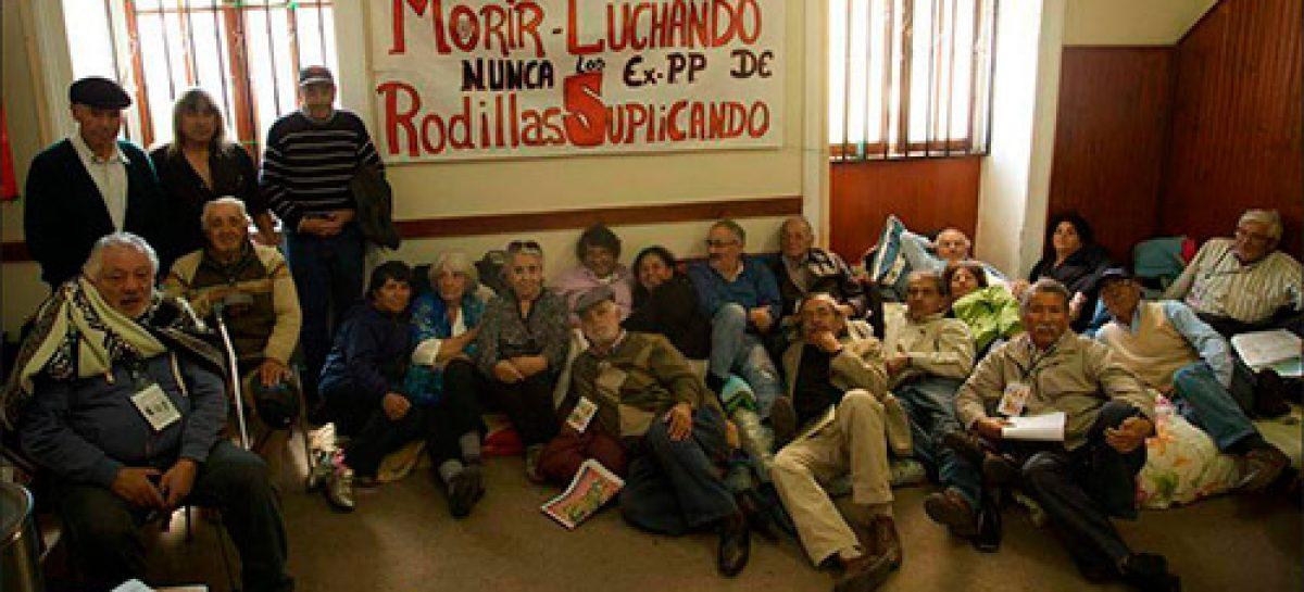 Chile, un obispo asume el rol de mediador para poner fin al conflicto entre el gobierno y los ex presos políticos