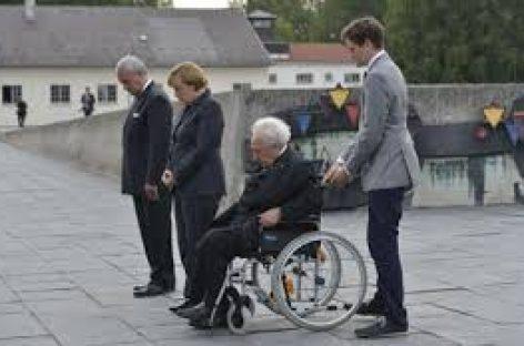 Merkel pide a los alemanes que nunca olviden los horrores de los campos de concentración