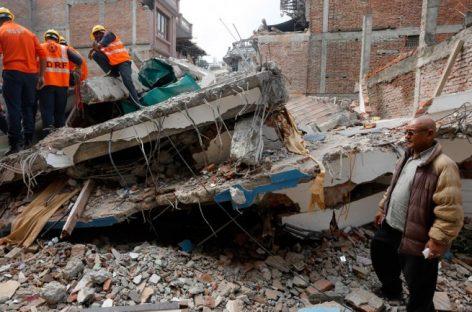 Nepal, rescatan con vida a un hombre de 105 años después de una semana