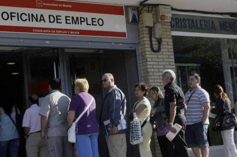 España, 118.923 parados menos en abril