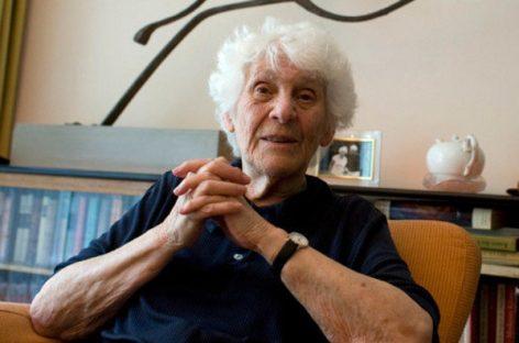 Una pediatra de 102 años lee su tesis doctoral