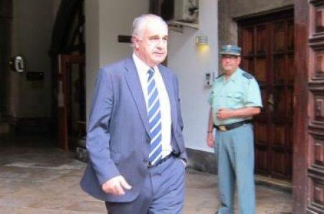 En España, el tribunal Supremo envía a prisión a un político por desviar fondos públicos de proyectos de cooperación