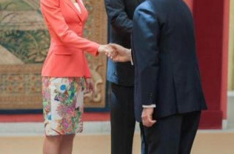 Felipe VI condecora a 38 'héroes anónimos' por su compromiso social