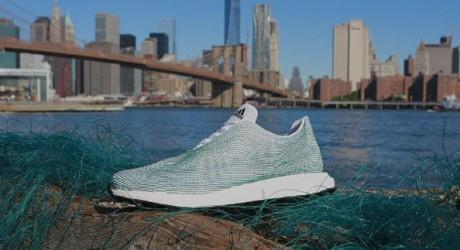 Las primeras zapatillas fabricadas al 100% con basura del mar