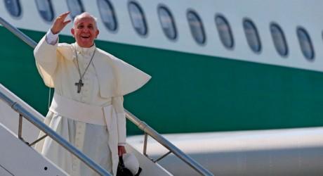 """Papa Francisco I: """"La familia es la mejor escuela de los niños"""""""