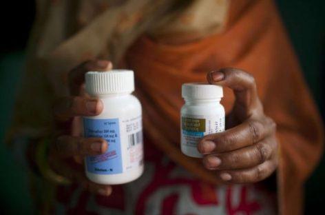 VIH, la comunidad científica reclama la universalización del tratamiento antirretroviral