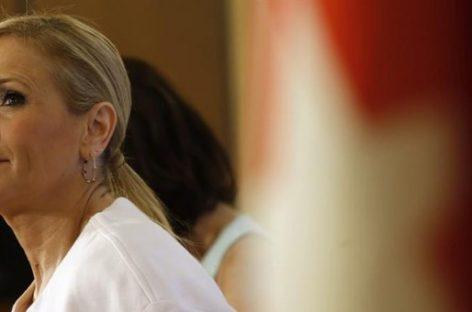"""La presidenta de la Comunidad de Madrid ordena atender a  los inmigrantes """"con o sin documentación"""""""