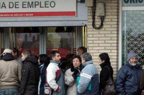 España, el descenso de 74.000 personas paradas en julio es el dato más positivo desde 1998